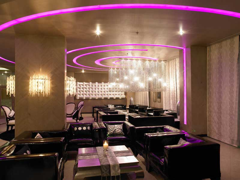 lounge bars in bangalore - zuri whitefield