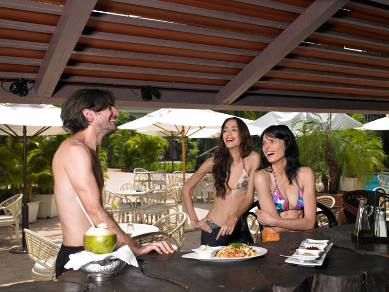 resorts with poolside restaurants in goa - zuri whitesands