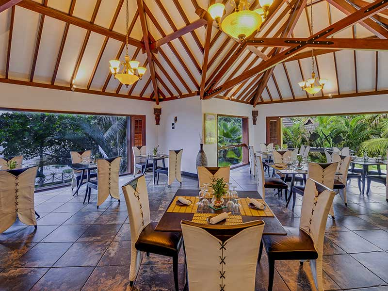 resorts with seafood restaurant - zuri kumarakom