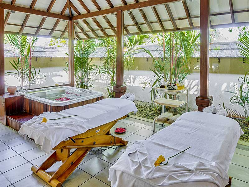 zuri ayurvedic spa resorts in kumarakom